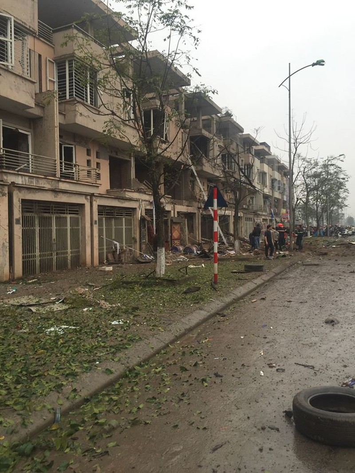 Chùm ảnh hiện trường vụ nổ kinh hoàng ở Văn Phú - Hà Đông - ảnh 14