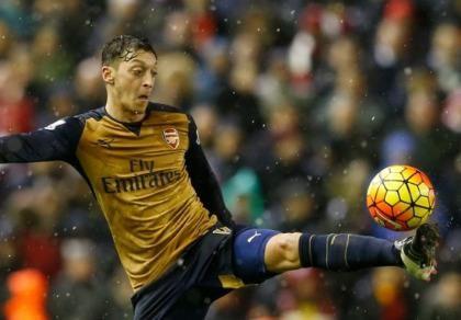 Wenger sẽ 'nói chuyện' với Ozil   - ảnh 1