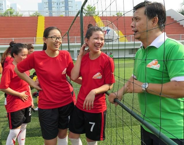 Vui nhộn giải bóng đá nữ công nhân viên chức - ảnh 13