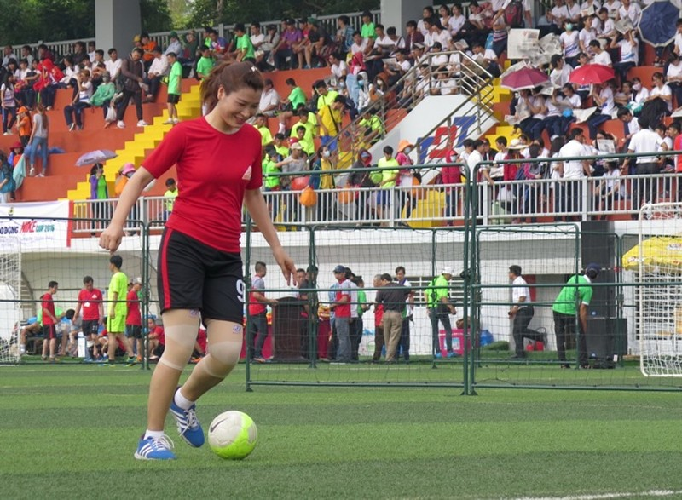 Vui nhộn giải bóng đá nữ công nhân viên chức - ảnh 6