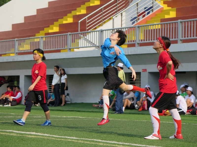 Vui nhộn giải bóng đá nữ công nhân viên chức - ảnh 8
