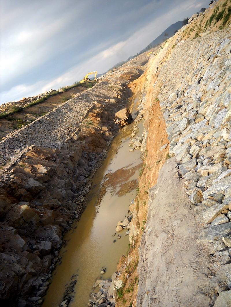 Hãy cứu dòng sông Ba - ảnh 1