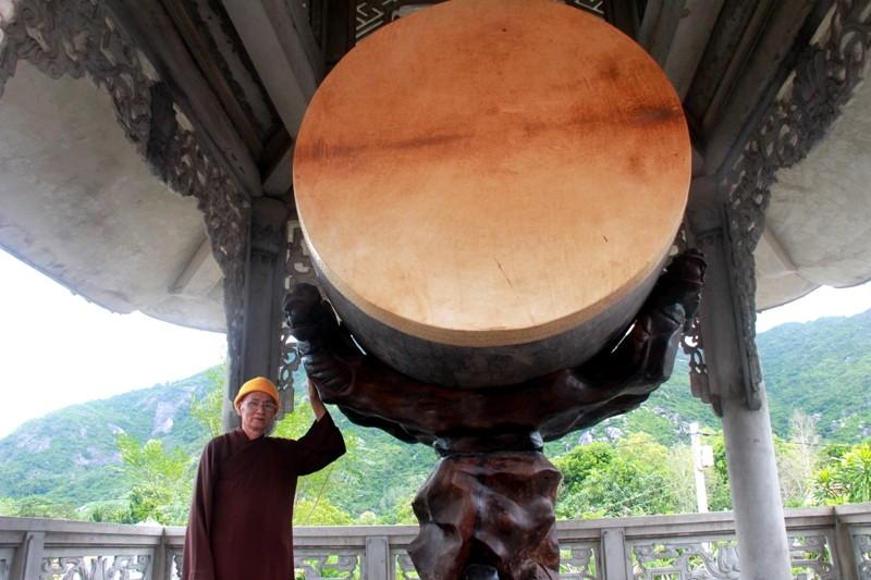 Chiêm ngưỡng chiếc trống độc nhất vô nhị ở ngôi chùa quê - ảnh 3