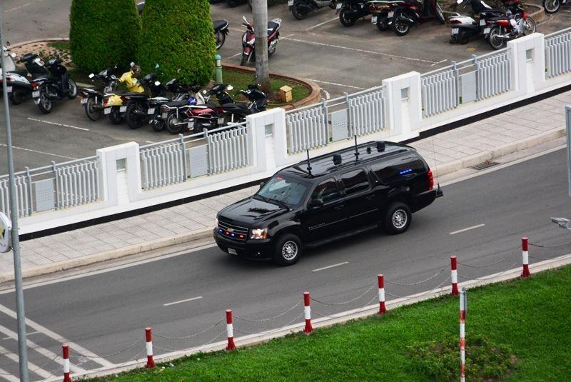 Video: Đoàn xe Tổng thống Obama trên đường phố Sài Gòn - ảnh 1