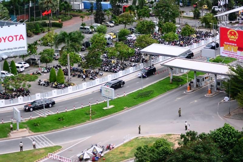 Video: Đoàn xe Tổng thống Obama trên đường phố Sài Gòn - ảnh 3