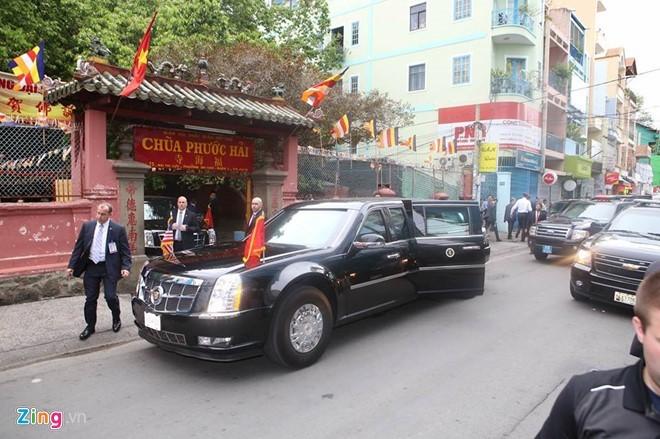 Chùm ảnh: Tổng thống Obama tham quan chùa Ngọc Hoàng - ảnh 1