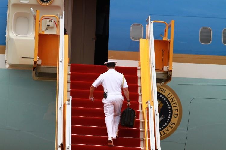 Chuyên cơ của Tổng thống Obama đã rời Việt Nam - ảnh 16