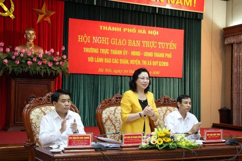 Phó bí thư Thành uỷ Hà Nội Ngô Thị Thanh Hằng phát biểu tại hội nghị. Ảnh: Trọng Phú