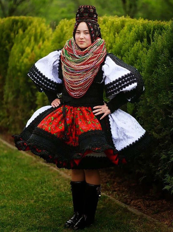 Những trang phục cưới truyền thống kỳ lạ trên thế giới - ảnh 6