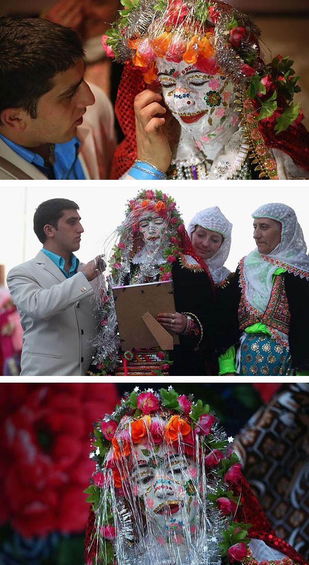 Những trang phục cưới truyền thống kỳ lạ trên thế giới - ảnh 4