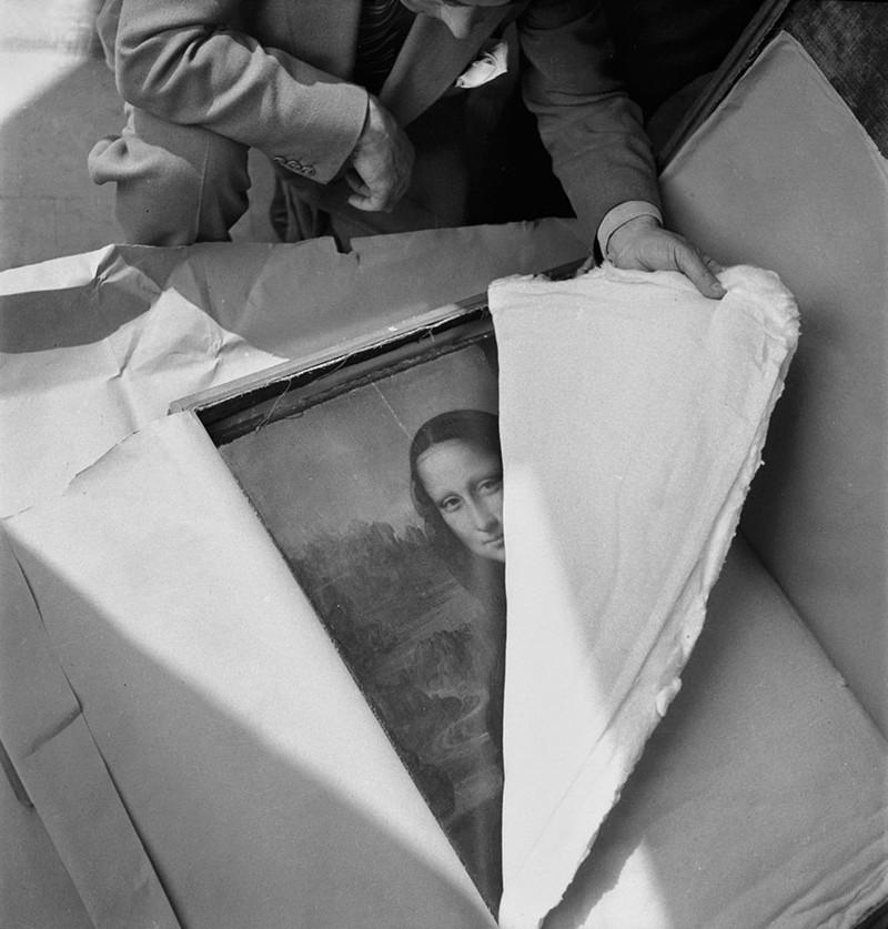 Những bức ảnh lịch sử nổi tiếng ít người biết đến - ảnh 8