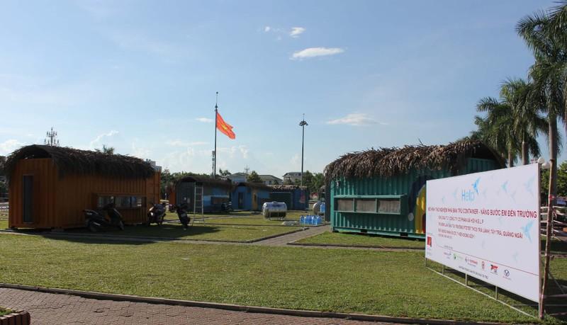 Độc đáo nhà bán trú cho học sinh bằng container - ảnh 1