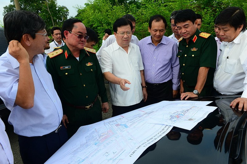 Phó Thủ tướng kiểm tra thực địa tại Cảng Hàng không Tân Sơn Nhất - ảnh 7