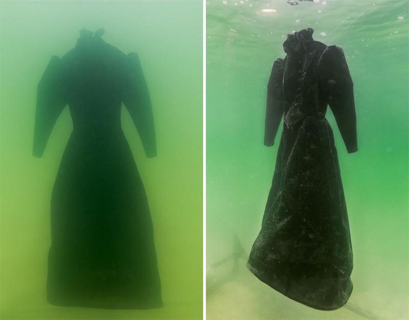 Điều gì xảy ra khi nhúng chiếc đầm xuống biển Chết trong 2 năm - ảnh 1
