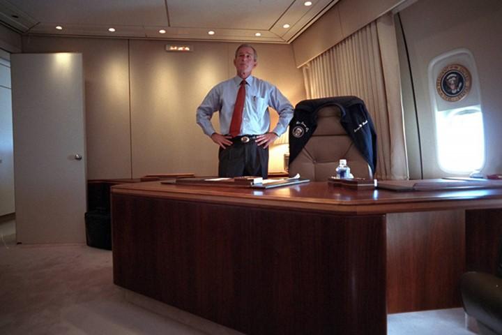 Bên trong chuyên cơ Tổng thống Mỹ Bush ngay sau vụ 11-9 - ảnh 1