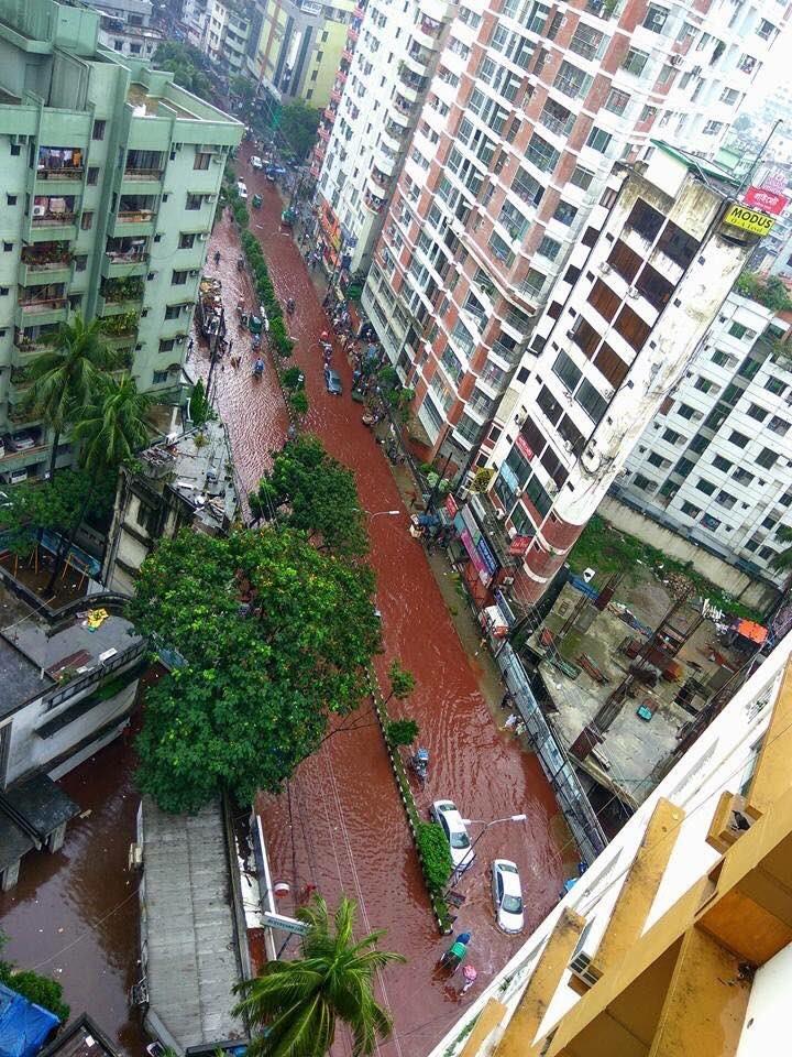 Xuất hiện dòng sông máu tại thủ đô Bangladesh - ảnh 5
