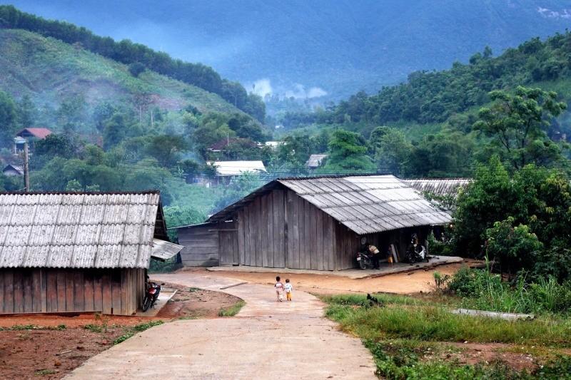 Ngôi làng H'Mông tuyệt đẹp giữa đại ngàn Tây Nguyên - ảnh 1