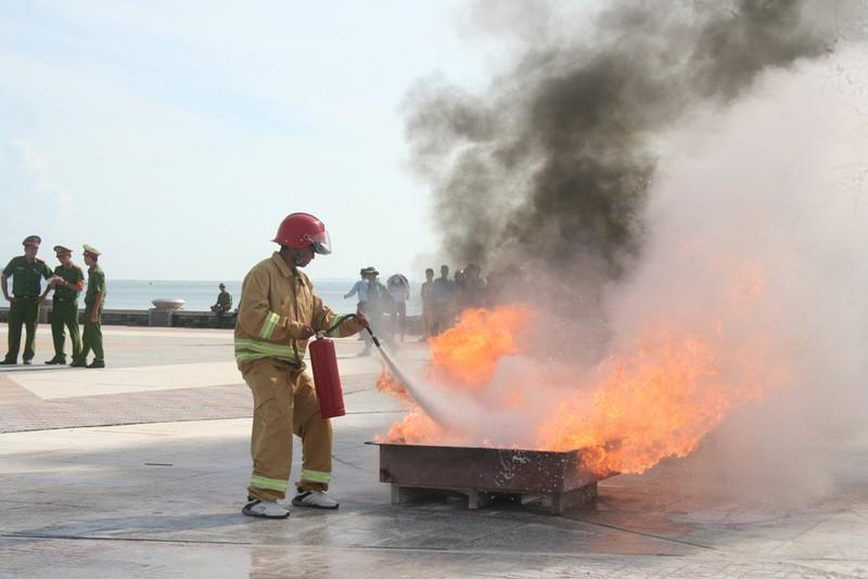 Hào hứng hội thao chữa cháy cứu người - ảnh 3