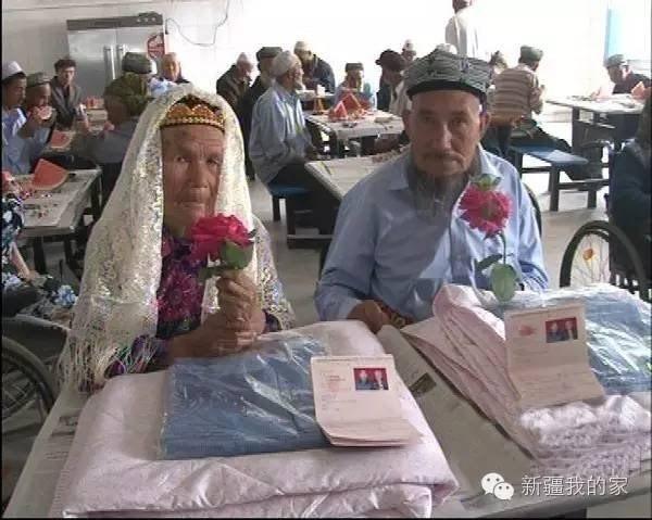 Cụ ông 71 tuổi cưới cụ bà 114 tuổi sau 1 năm theo đuổi  - ảnh 2
