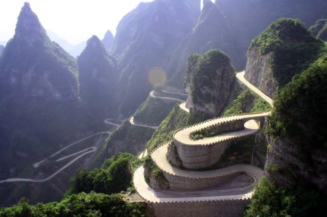 Những cung đường tuyệt đẹp bạn nên đến 1 lần trong đời - ảnh 7