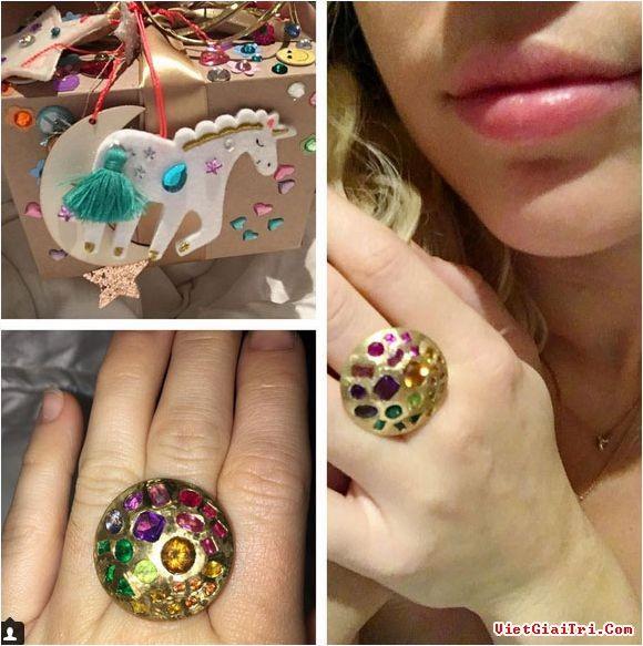Miley Cyrus nhận quà sinh nhật 'lạ' từ bạn trai - ảnh 2