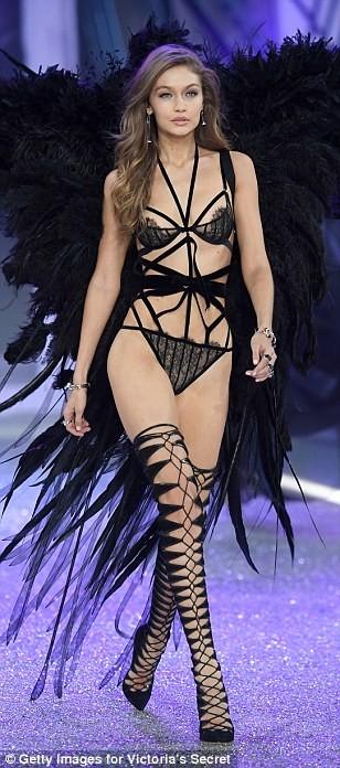 Lộ diện dàn thiên thần nóng bỏng của Victoria's Secret - ảnh 3
