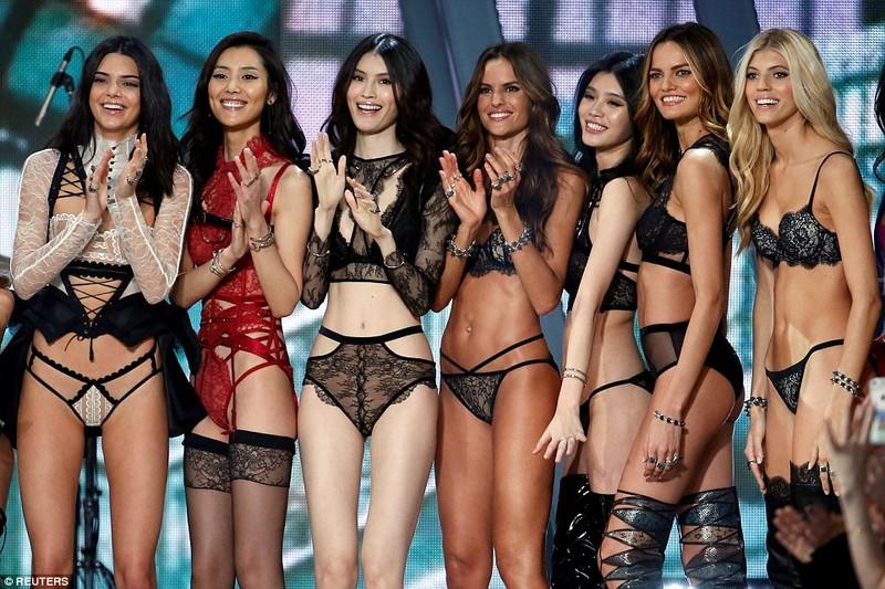 Lộ diện dàn thiên thần nóng bỏng của Victoria's Secret - ảnh 15