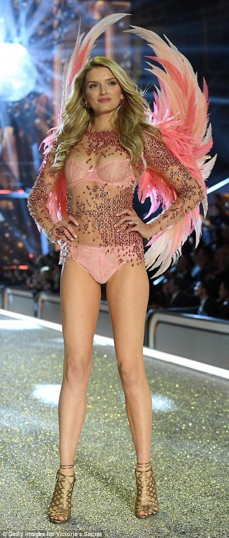 Bỏng mắt với bộ nội y đẹp nhất show Victoria's Secret - ảnh 4