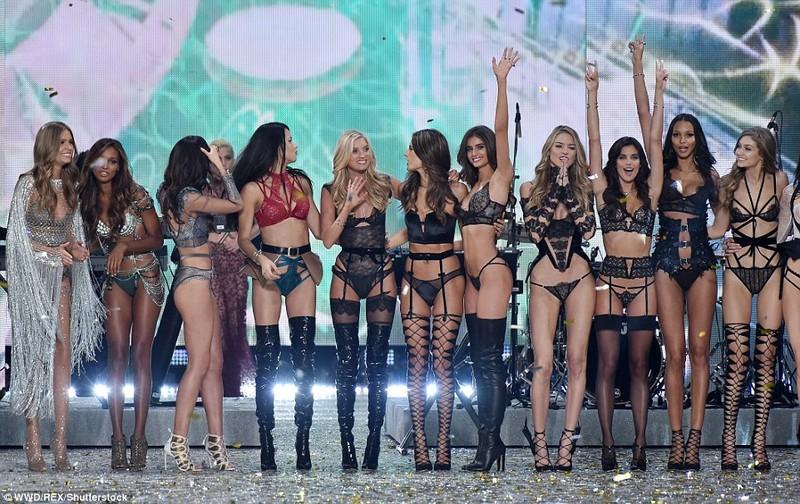 Bỏng mắt với bộ nội y đẹp nhất show Victoria's Secret - ảnh 9