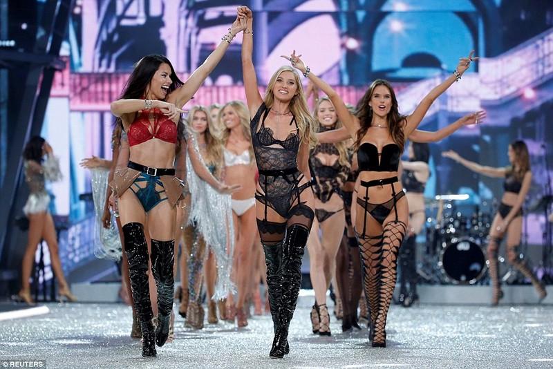 Bỏng mắt với bộ nội y đẹp nhất show Victoria's Secret - ảnh 12
