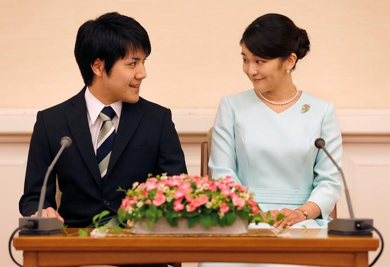 Chuyện tình như cổ tích: Công chúa Nhật cưới thường dân - ảnh 1