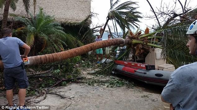 Nhà tỷ phú Richard Branson tan hoang sau bão Irma - ảnh 5