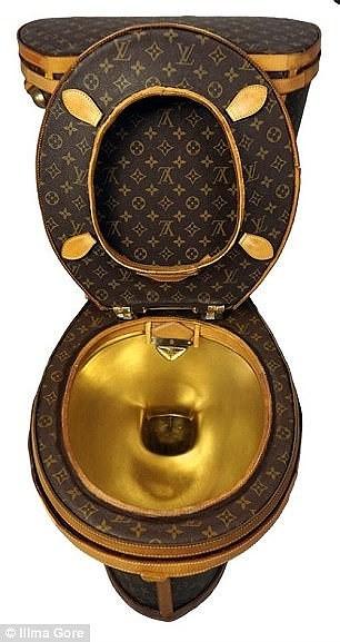 Choáng với bồn cầu 2,2 tỉ làm từ túi Louis Vuitton - ảnh 2