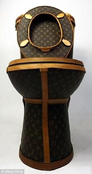 Choáng với bồn cầu 2,2 tỉ làm từ túi Louis Vuitton - ảnh 3