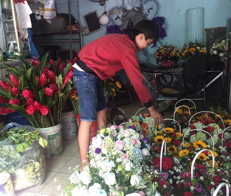 Ngày Valentine: Hoa hồng 'bất tử' lên ngôi  - ảnh 1