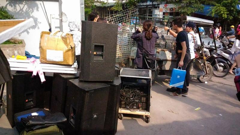 """Hội chợ container """"khủng"""" tại Hà Nội bị giải tán - ảnh 8"""