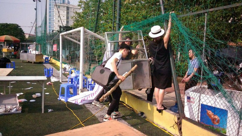 """Hội chợ container """"khủng"""" tại Hà Nội bị giải tán - ảnh 7"""