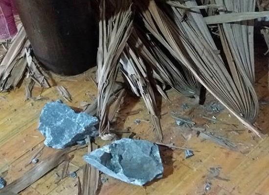 Nổ mìn khai thác đá khiến 4 người nhập viện, nhiều ngôi nhà thủng mái  - ảnh 2