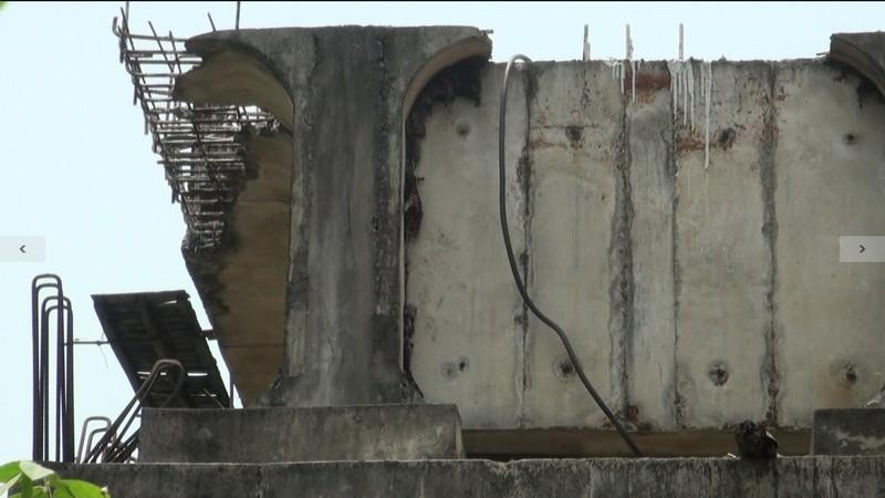 Chùm ảnh: 7 năm xây chưa xong 200 m cầu, còn đi thu phí 'lụi' - ảnh 4