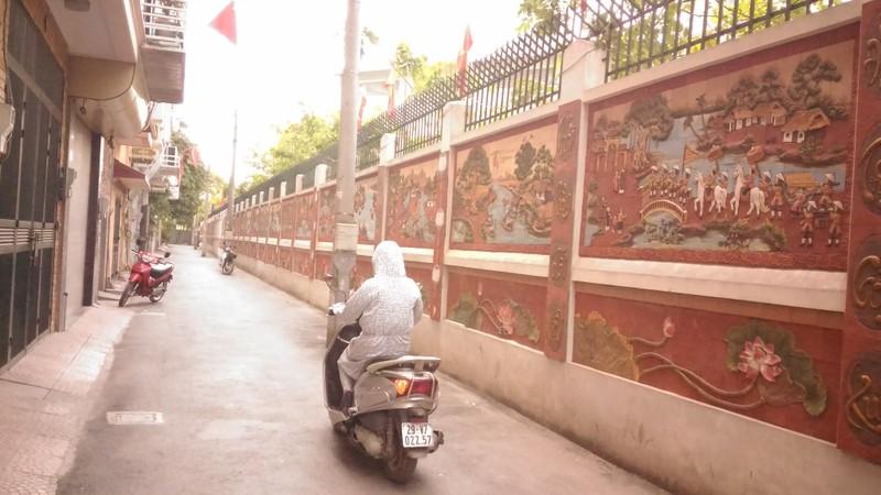 'Con đường gốm sứ' thứ hai tuyệt đẹp tại Hà Nội - ảnh 2