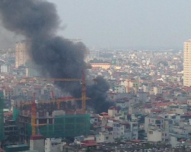 Cháy khủng khiếp tại lán trọ công nhân - ảnh 2