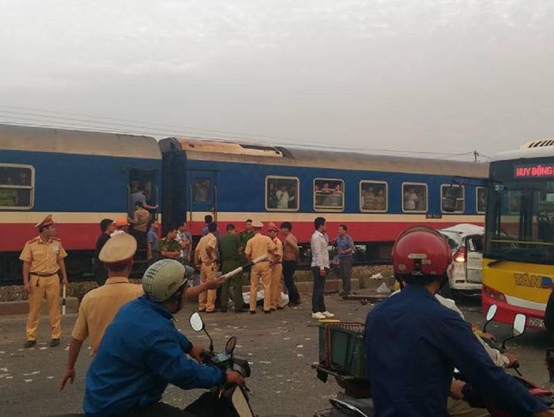 Danh tính 5 nạn nhân tử vong vụ tàu hỏa hất văng ô tô - ảnh 2
