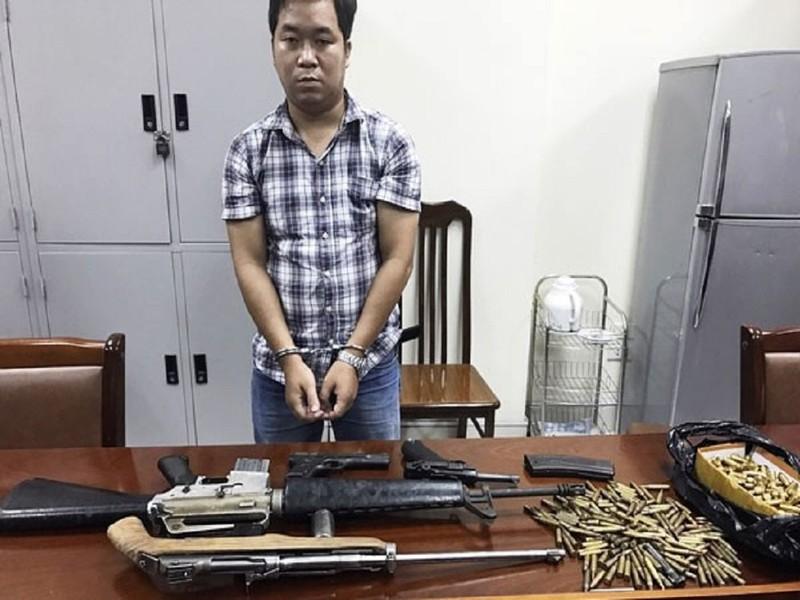 Bắt 'trùm' vũ khí cùng 4 khẩu súng và 300 viên đạn - ảnh 1