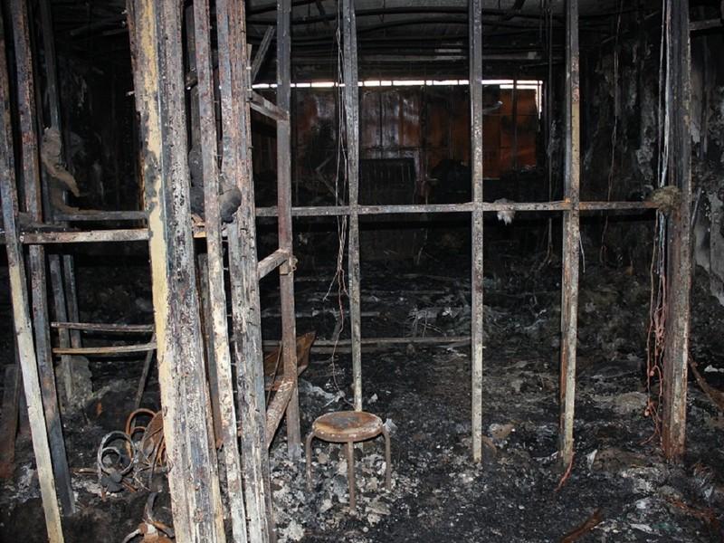 Khởi tố chủ quán karaoke bị cháy khiến 13 người chết - ảnh 1