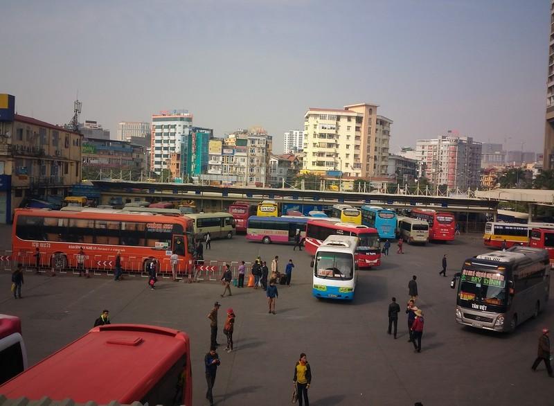 Hàng loạt xe khách bỏ chuyến phản đối phân tuyến - ảnh 1