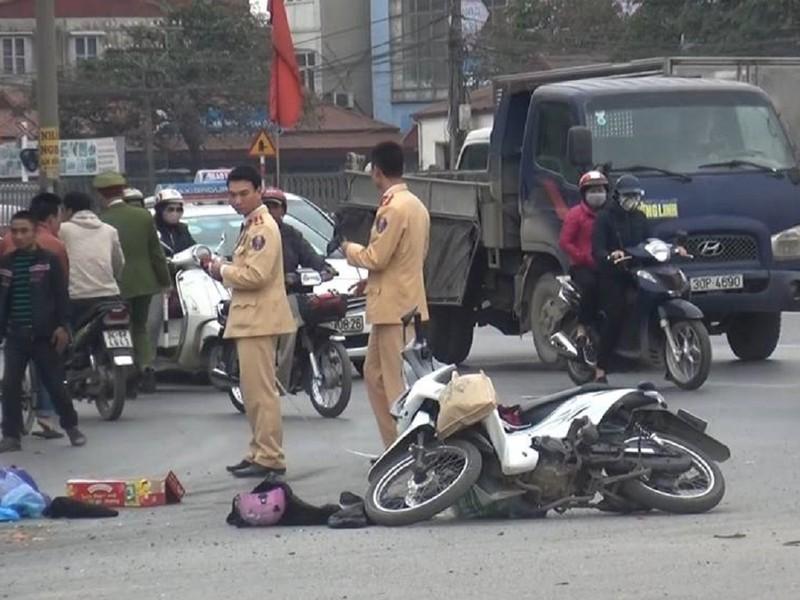 Điều tra vụ xe tải gây tai nạn chết người rồi bỏ chạy - ảnh 1