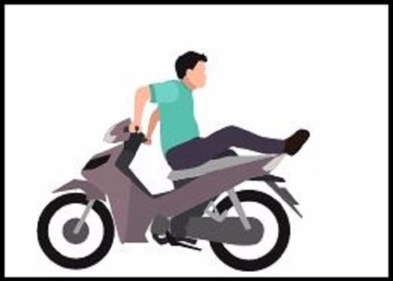 Quay người về phía sau để điều khiển xe hoặc bịt mắt điều khiển xe