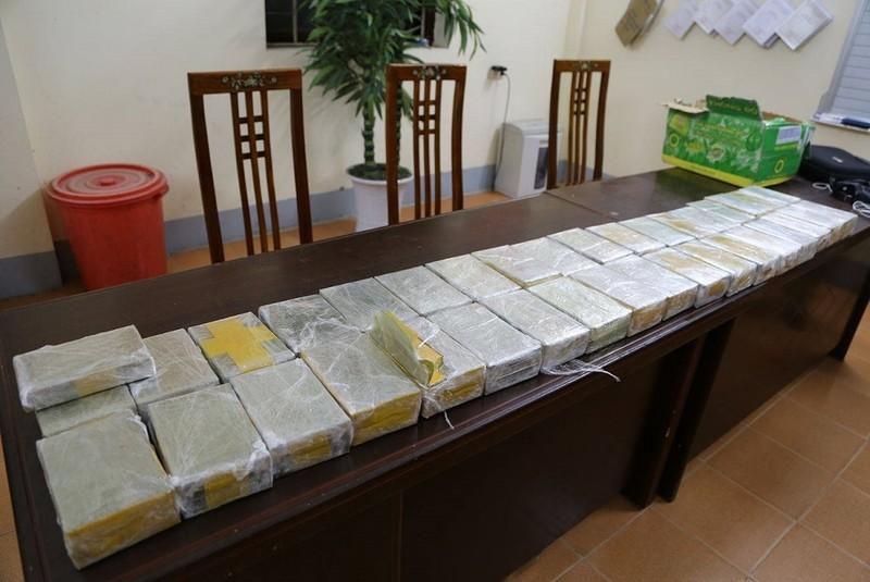 Nam thanh niên một mình vận chuyển 73 bánh heroin - ảnh 2