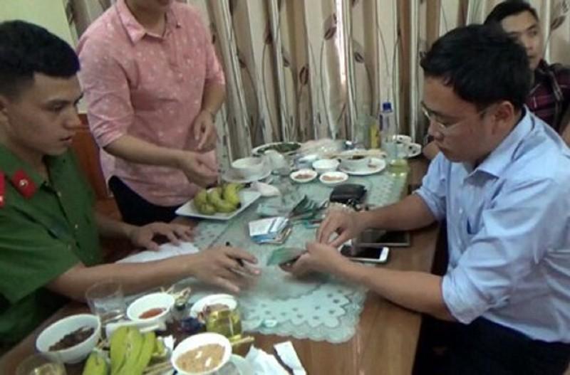 Nhà báo Duy Phong cưỡng đoạt 200 triệu của giám đốc sở - ảnh 1
