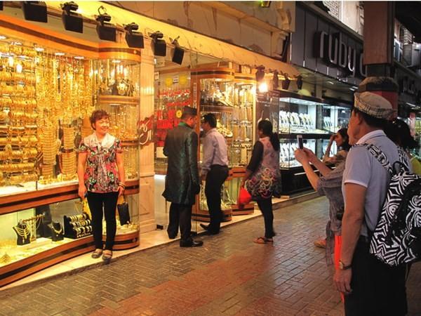 Cận cảnh khu chợ bán vàng trang sức theo kg - ảnh 1